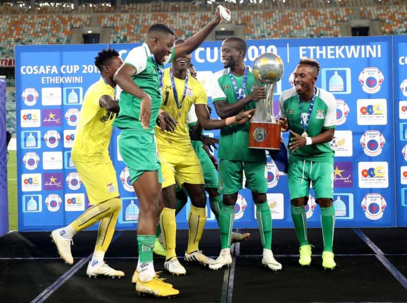 How Zambia won the 2019 COSAFA Championship #Uganda Zambia players with trophy 806x600