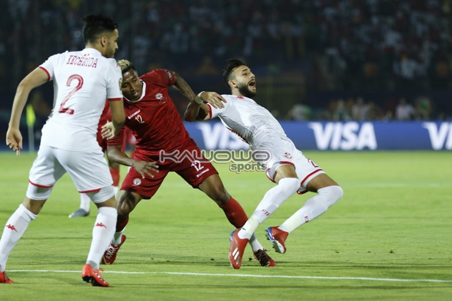 Tunisia shoot down Madagascar to qualify AFCON 2019 semi-final slot #Uganda Lalaina fouls Msakni 900x600