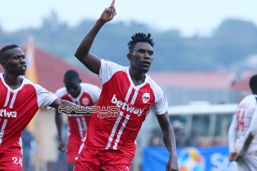Express edge Mbarara City in five-goal thriller at Luzira #Uganda Hamdan Nsubuga celebrates Express 900x600