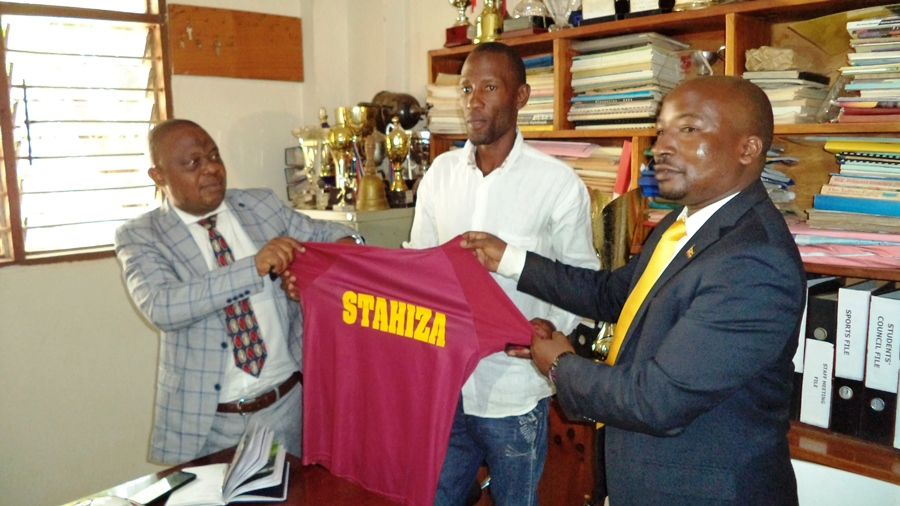 Standard High School Zana unveils former Uganda Cranes star Kizito as football team head coach #Uganda Nestroy Kizito middle